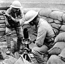 portugisiska soldater med grantkastare