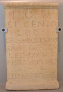 altare-rest-till-jupiter-och-geniys-loci-av-xxx-legionen