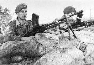brittiska-trupper-vid-suez