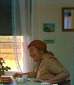 SVT1 Söndag 31 Augusti 2014: kl.11.10: Programtitel: Hem till byn Bildtext: Klassisk svensk dramaserie från 1971 av Bengt Bratt.  Foto: SVT Bilden får endast användas i programpresenterande sammanhang.  Fotografens namn, Sveriges Television samt programmets titel skall alltid anges.